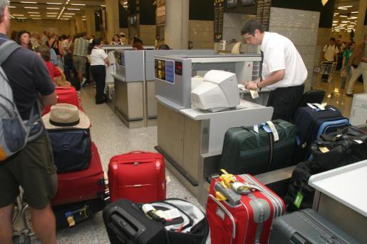 La huelga sería del servicio de mantenimiento y tratamiento de equipajes en el aeropuerto de Palma.