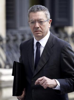 El ministro de Justicia, Alberto Ruiz Gallardón, a su llegada al Congres.