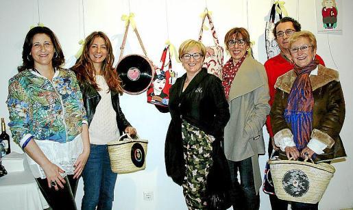 Marisa Cortés, Diana Lorente, Margarita Riutort, Marga Font, Tania Frau y Llorenç Caldentey.