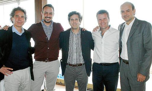 Fernando Rosselló, Víctor Grande, Pedro Rullán, Andrés Vidal y Alberto Anguera disfrutaron del almuerzo de compañerismo.