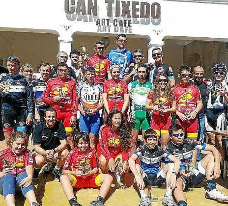 Imagen de los premiados en el Trofeo Can Tixedó.