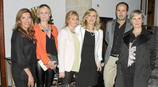 Gema Muñoz, Aina Aguiló, Sandra Horrach, Nieves Herrero, Antonio Fernández-Coca y Vanessa H. Rado.