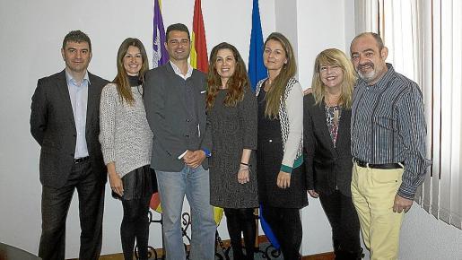 Patxi Rocha, 'coach' de la EEC y facilitador del programa; los alumnos Mónica Muñoz y Antonio Cañellas; Alicia Cerdá, 'coach' y coordinadora de la EEC en Balears; y los alumnos Patricia Rama, Fina Costa y Alfons Moll.