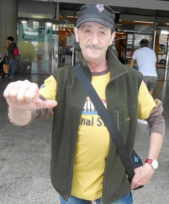 Eduardo Gómez ha venido a Mallorca sin su novia, Jessica, que es 38 años menor que él.