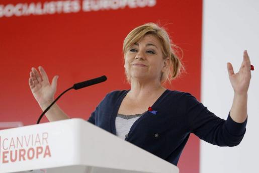 La candidata del PSOE a las europeas, Elena Valenciano, durante su intervención en la Fiesta de la Rosa del PSC del Vallès Oriental.