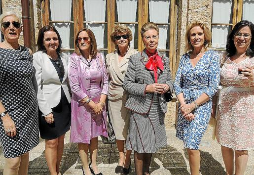 Carmen García de los Reyes, Carmita Pérez, Gela García de los Reyes, Catalina Llamazares, Mª del Carmen Amador, Begoña Moragues y Carmen Castillo.