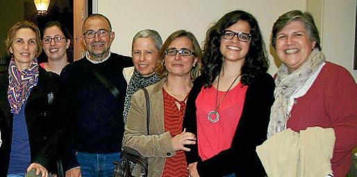 Carme Pérez, Marga Serra, José Manuel Mínguez, Mari Cruz Rodríguez, Cati Jover, Rosa Sastre y Margalida Rubí.