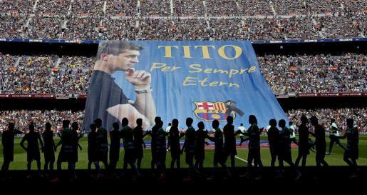 Un momento del homenaje rendido al exentrenador del FC Barcelona Francesc 'Tito' Vilanova.