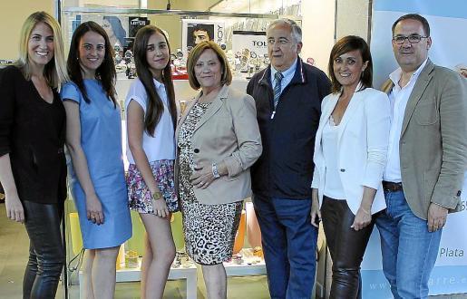Loli y Marga Moreno, Paula Mestre, Julia Sánchez, Manuel y Antonia Moreno y Joan Mestre.