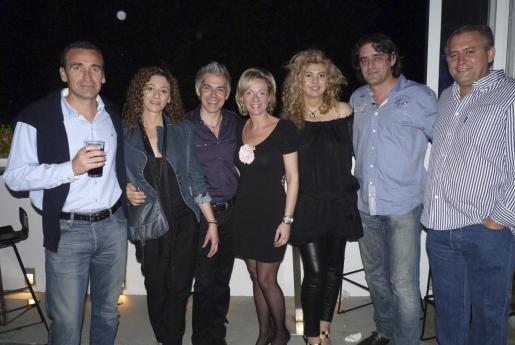 Toni Pujol, Mercedes Fernández, Juan Manuel Gómez, Cati Smith, Pilar Correa, Víctor Fernández y Juan Enseñat.