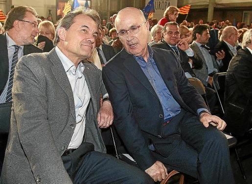El manifiesto refuerza a Mas y Duran (en la imagen, anoche abriendo la campaña electoral).