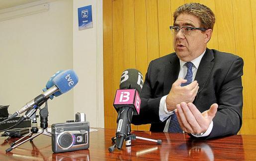Antoni Bennasar apuesta por abrir más el colegio a la sociedad balear.