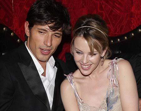 La guapa y famosa pareja podría haber puesto fin a su relación.