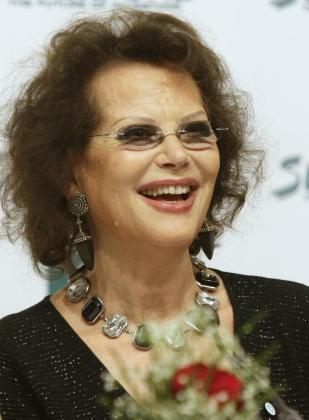 La actriz ha confesado que Marlon Brando trató de seducirla.
