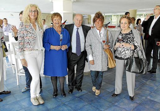 Beatriz Ribes, María Isabel Mijares, Agustí Torelló, Mercè Gramona y Carmen Sibill.