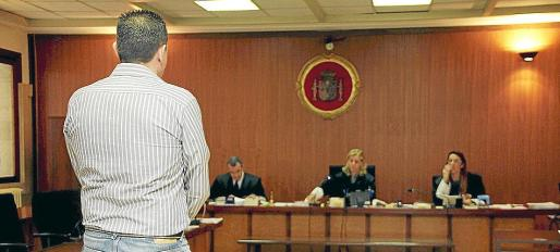 El acusado, ayer, en la Audiencia Provincial de Palma durante el juicio.