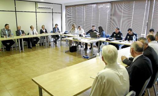 Los hoteleros de la Platja de Palma se reunieron ayer con la Policía Local y Nacional.
