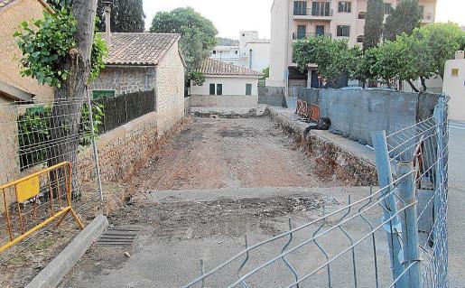 Simarro ratifica que la excavación denunciada se adjudicó legalmente como trabajo previo.