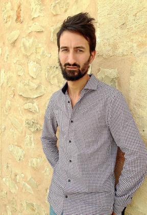 Mateu Jaume trabaja en una empresa de publicidad.