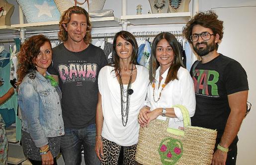 Olga de la Rica, Johny Soto, Alicia Merino, Maribel Perelló y Rafa Tarazona.