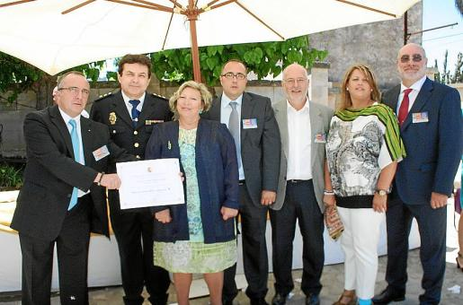 Vicente Núñez, Ginés Cruz, jefe de la Unidad Provincial de Seguridad Privada; Mercedes Martínez, Sergio Cañaveras, Joan Llull, María Romero y Benny Bestard.