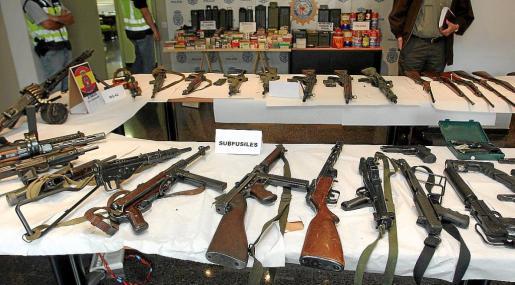 Imagen del primer arsenal que se le incautó a Juan Francisco Pujadas en los años 2008 y 2009.