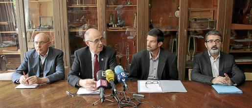 Joan Miralles, Isidor Marí, Joan Antoni Mesquida y Nicolau Dols, ayer en rueda de prensa.