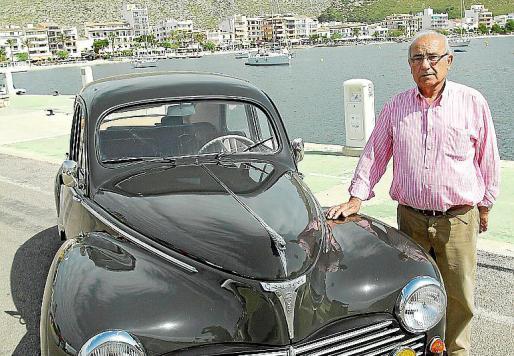 Francisco Terrasa, propietario de este bonito Peugeot 203 C de 1959.
