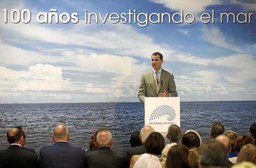 GRA068. MADRID, 10/06/2014.- El Príncipe de Asturias clausura el acto central conmemorativo del centenario del Instituto Español de Oceanografía (IEO), que se celebra en los Jardines de Cecilio Rodríguez, en el Parque del Retiro de Madrid. EFE/Javier Lizón EL PRÍNCIPE CLAUSURA EL ACTO DE CONMEMORACIÓN DEL CENTENARIO DEL INSTITUTO ESPAÑOL DE OCEANOGRAFÍA (IEO)