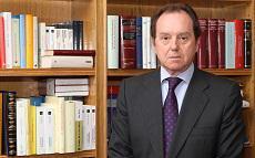 Jaime Alfonsín, que ha trabajado los últimos 20 años al frente de la Secretaría del Príncipe de Asturias, podría ser el nuevo jefe de la Casa del Rey.