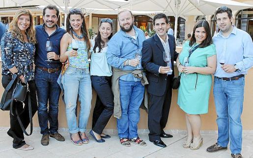 Gema Muñoz, Alberto Torrens, Amada Salvà, Johanna Cavalcanti, Tommy Ferragut, Carlos Vidal, Ana Méndez y Javier Vidal.