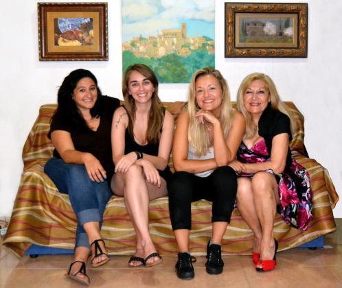 Susana Terraza, Raquel Rivero, Nuria Karma y Lola Paniza, de 'Comedia sit'.