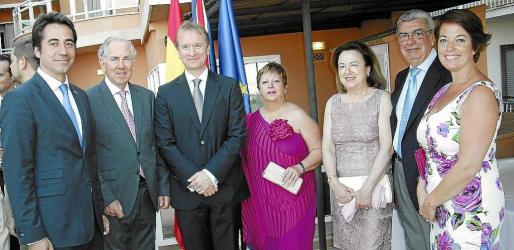 Nuño Pacheco, William Graves, el cónsul Andrew Gwatkin, Margarita Rosselló, Carmen Serra, Miguel Guerrero y Micaela Bowyer, del British Council.