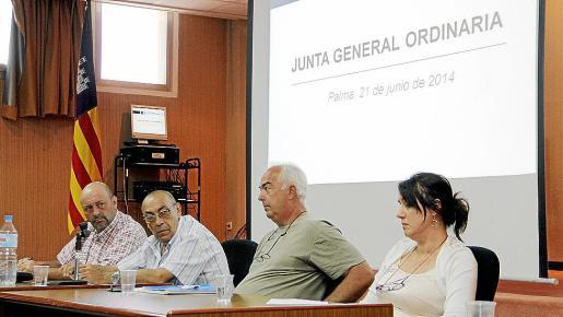 Miquel Socías (segundo izq.) presidió por primera vez la junta de Opmallorcamar.