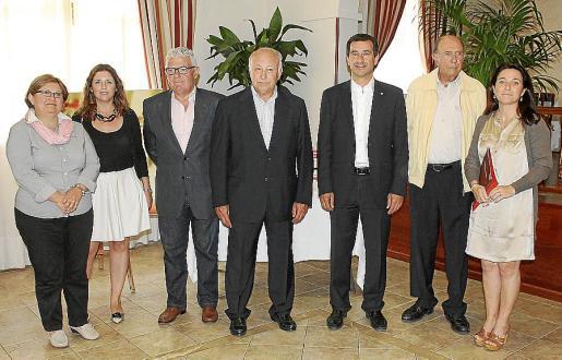 Catalina Gayà, Margaret Mercadal, Bernardí Coll, Jaume Ballester, Biel Company, Mateu Catelló y Antonia Maria Torres.