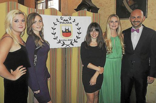 Amelia Jansen, Naomi Flowers, Jacqueline Komzolova, Oliva May Green y Joan Aguiló.