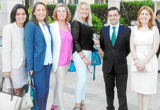 Carlota Sanz Mariano, Bárbara Bennásar Mesquida, directora regional de Banca March; María Xamena Vives, Águeda Ropero, Juan Riera Rosselló y Rosa Flexas.