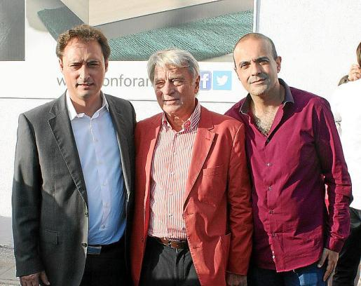 Tonino Pereira, director internacional de Conforama; Bruno Steinhoff, Founder of Steinhoff International Holdings Ltd.; y Manuel Estévez, director general de Conforama en la Península Ibérica .