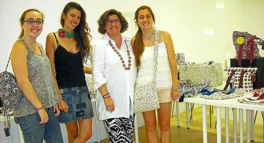 Micaela Sales, Marina Oliver, Catalina Cirer y Bel Sales.