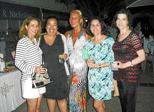 Tete García-Campos, Cati Clamor, Fany Riera, Manuela Villén y Alicia Martín.