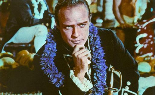 "Marlon Brando en la película "" Rebelión a bordo """
