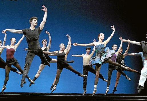 Un momento del ensayo de la Compañía Nacional de Danza, ayer en el Principal. Fotos: JOAN TORRES