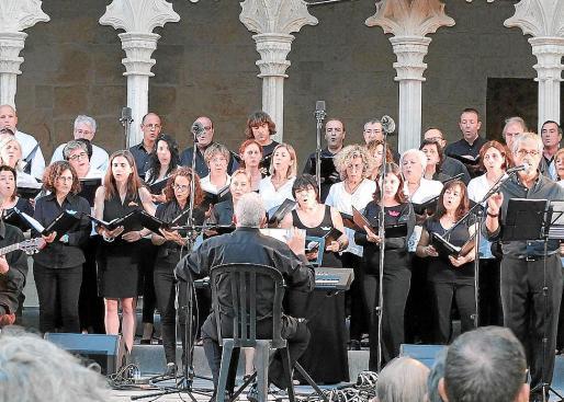 Las tres formaciones, durante una actuación en el Claustre de Sant Francesc.