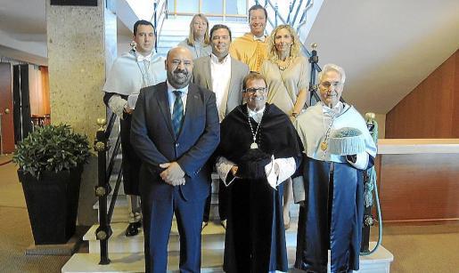 Detrás: Antonio Bruyel, Karen Jacob, Ovidio Andrés, Antonio Alcover y María José Moreno. Delante: Jaime Martínez, Llorenç Huguet y Felipe Moreno.