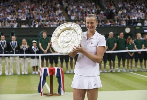 La checa Petra Kvitova, tras ganar Wimbledon.