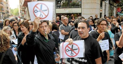 PALMA - PROTESTAS DE LOS FUNCIONARIOS CONTRA LOS RECORTES DEL GOBIERNO.