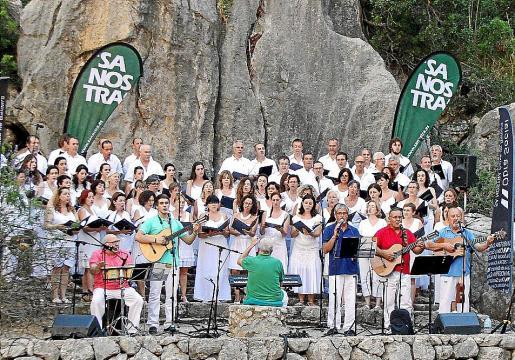 El conjunto fue dirigido por Pep Matas, de la Coral Universitat de les Illes Balears.