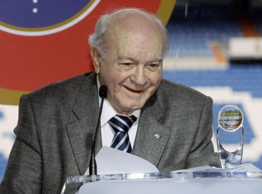 Alfredo Di Stefano, tras ser homenajeado en el Bernabeu en 2008.