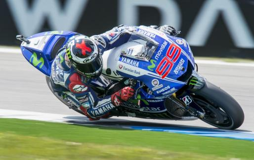 El piloto mallorquín de Yamaha Jorge Lorenzo durante el Gran Premio de Assen.