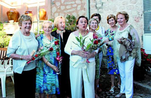 Isabel Gamundí, Conchita Cebrián, Maria Simarro, Lenita Seguí, Magdalena Palliser, Margarita Palliser, Mimí Mayol y Catalina Vicenç.